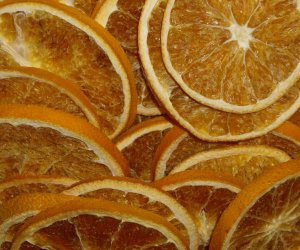 Orange slices dried